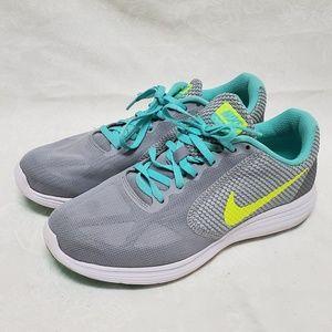 Nike Revolution 3 Women's 9 Shoes Gray Volt